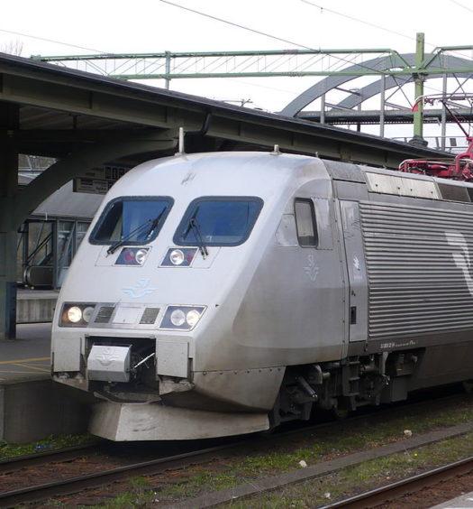 x2000 sj tåg