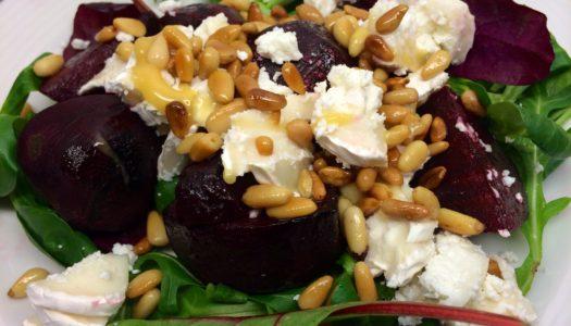 Veckans Recept: Ljumma rödbetor med chèvre, pinjenötter och honung