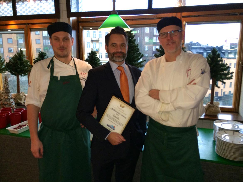 Från vänster, Gondolens Björn Wahlund (köksmästare), Ragnar Boman (restaurangchef) och Lennart Harlins (kökschef)