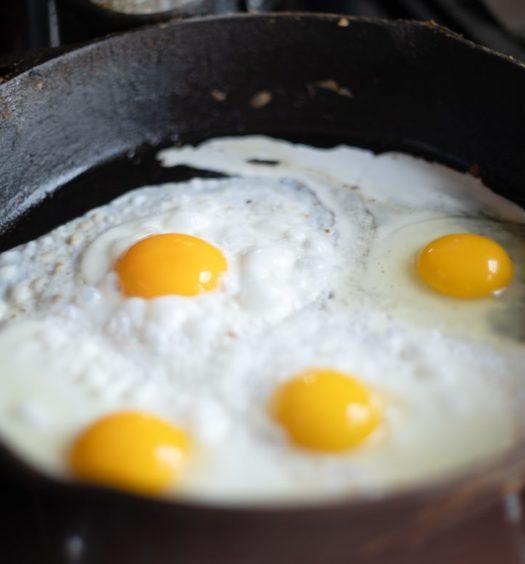 ägg i stekpanna