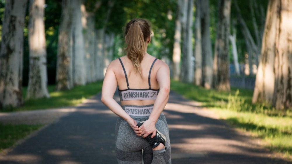springa jobba löpträning kvinna