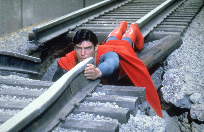 superman train track tågräls