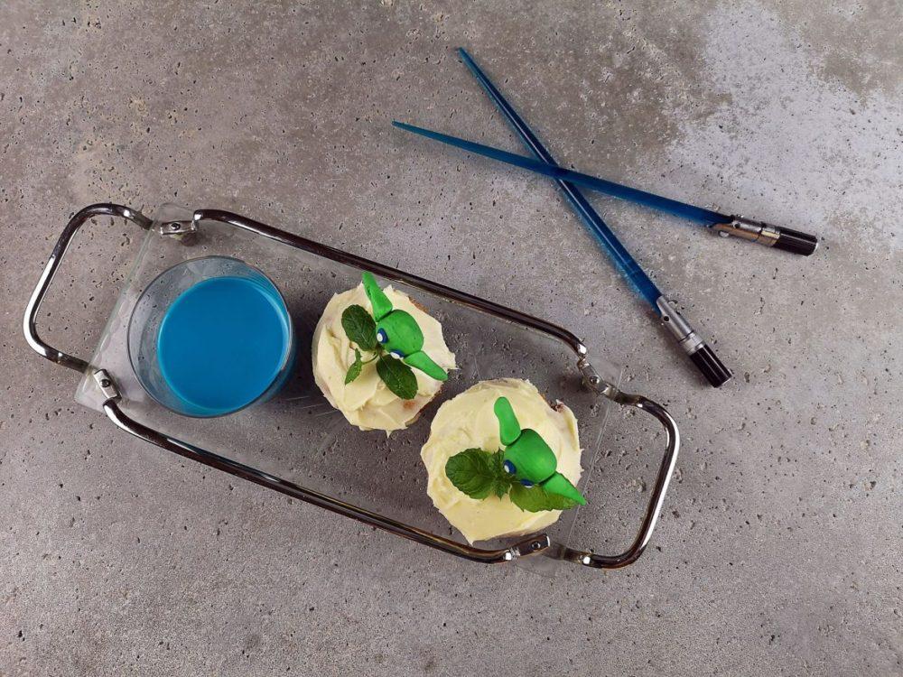 blå mjölk muffins yoda ljussabel