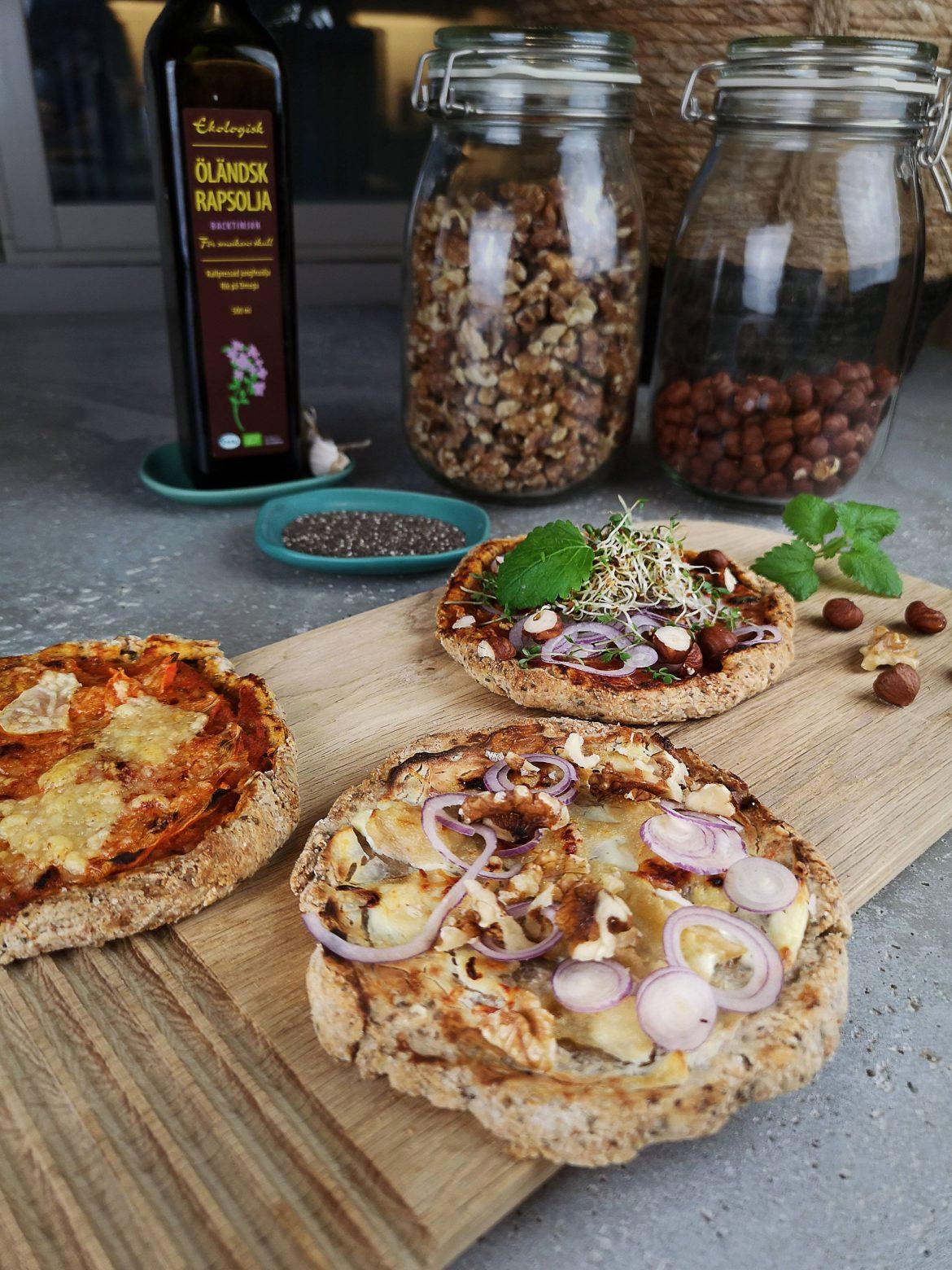 mini-pizza med olika topping, kalljäst det.
