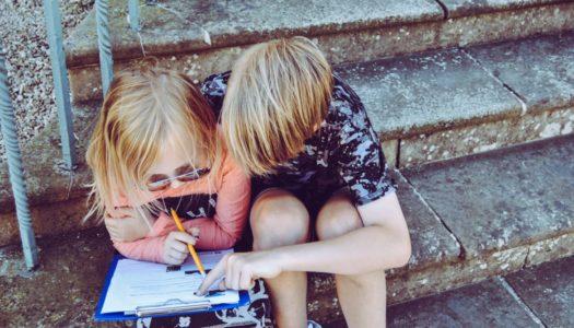 Reklam: Få hjälp med läxorna av SmartStudies