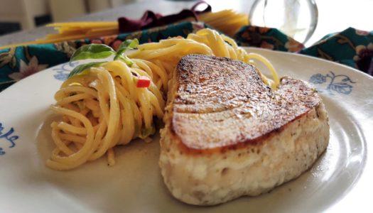 Veckans recept: Smörstekt tonfisk med krämig basilikapasta