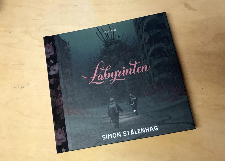 Labyrinten av Simon Stålenhag recension