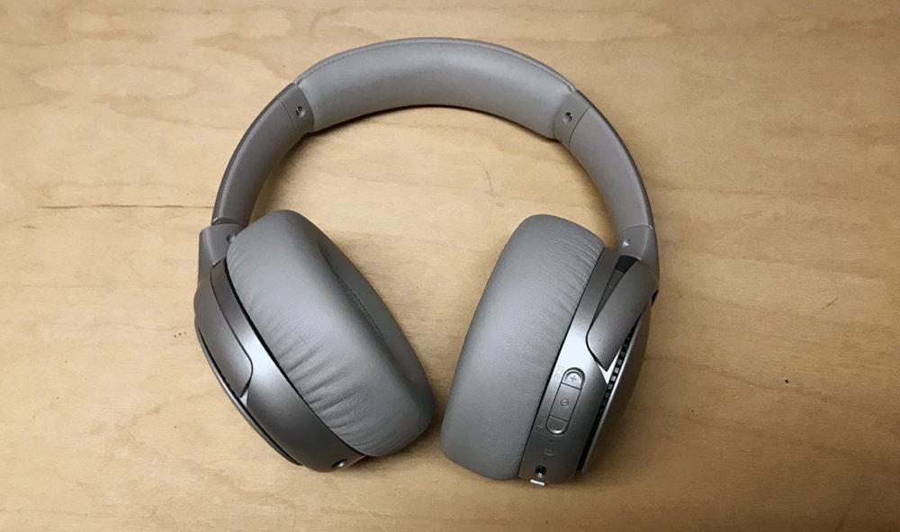 Foto: Senses.se - RB-M700 - Panasonic - Bild på hörlurarna