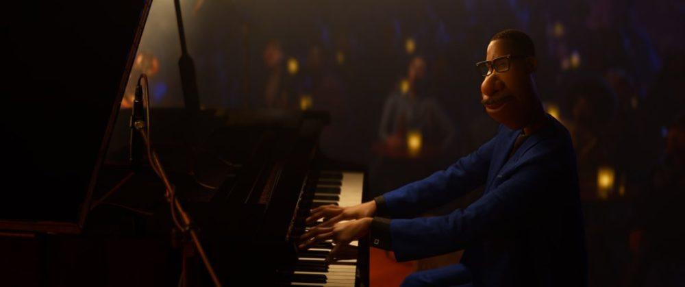 Pressbild: Pixar/Disney - Soul (Själen) - copyright 2021 - Joe plays the piano.