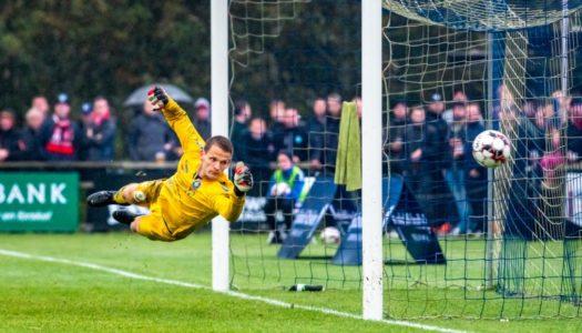 Reklam: Svensk fotboll går emot alla odds