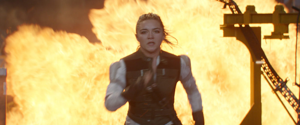 ©Marvel Studios 2021. All Rights Reserved. - Black Widow - Running from fire.